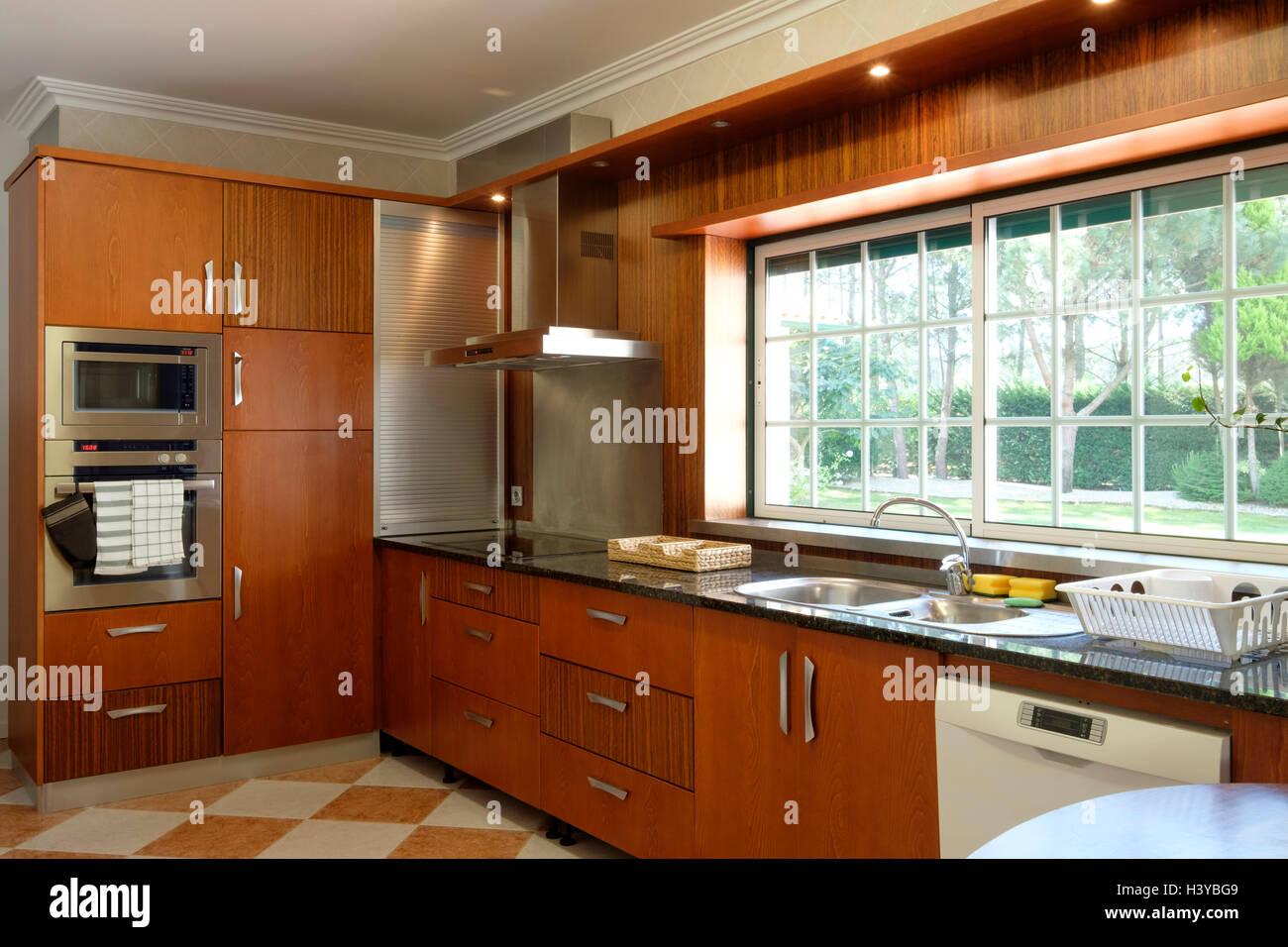 Moderne Küche Interieur mit Holzschränke Stockfoto, Bild: 122918329 ...