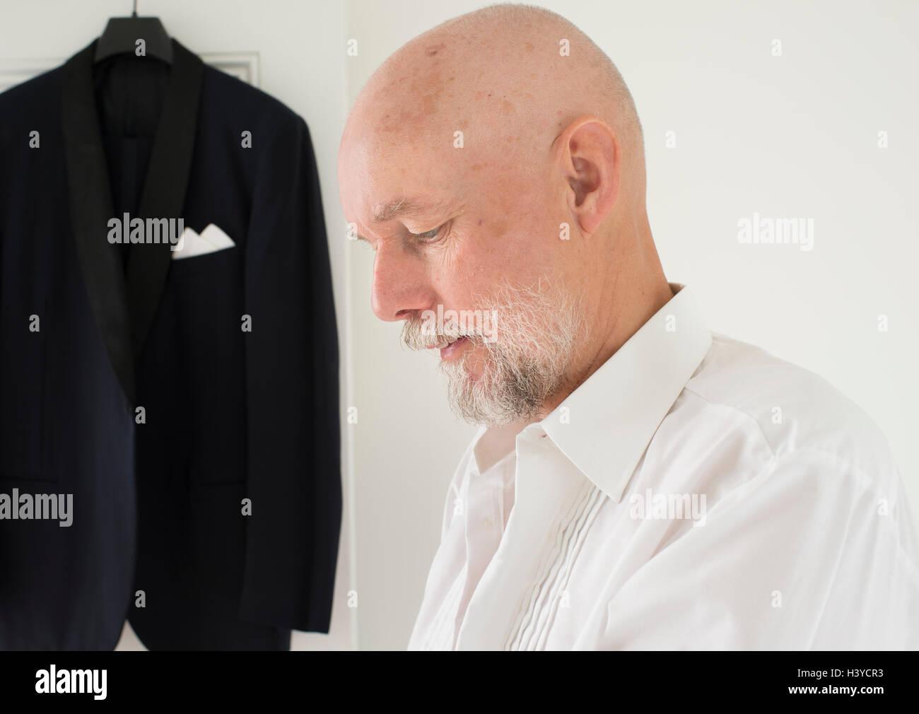 Old Man Grey Party Jacket Stockfotos & Old Man Grey Party Jacket ...
