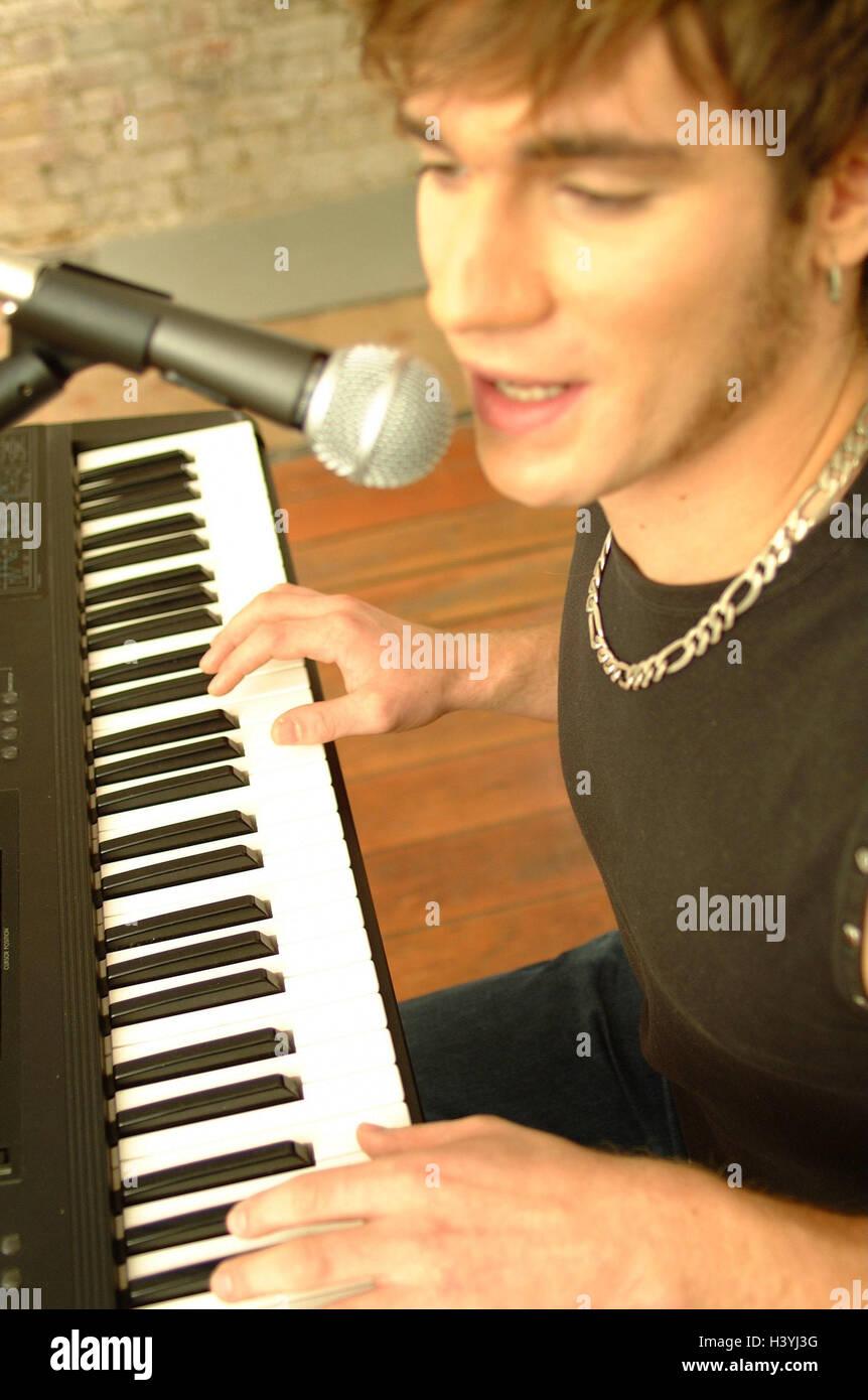 Mann, jung, Tastatur, Sing, Detail, Musiker, Sänger, Musik, musizieren, spielen Musikinstrument, instrument, Stockbild