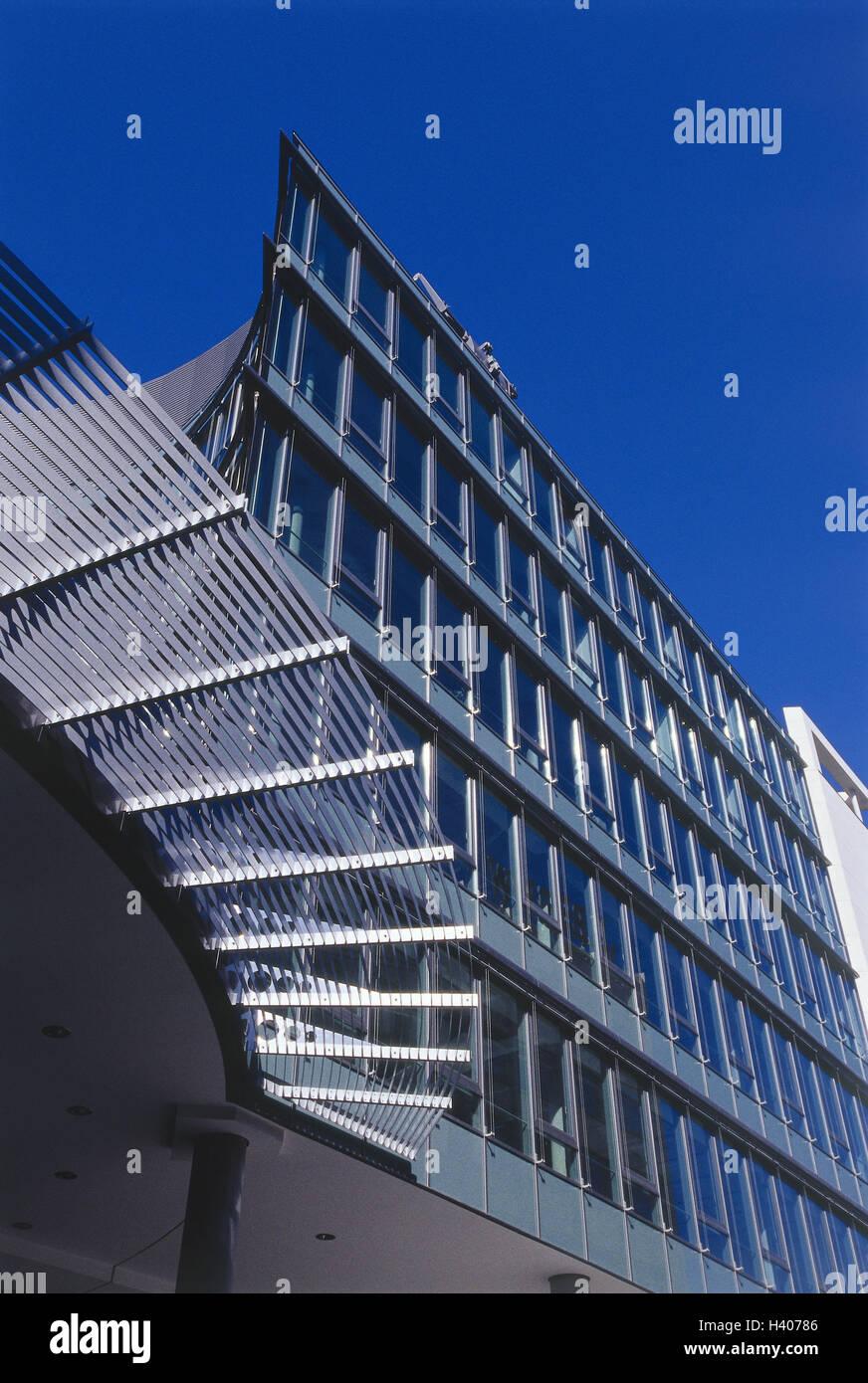 Gesch ftshaus glasfront detail deutschland stuttgart for Modernes haus fassade