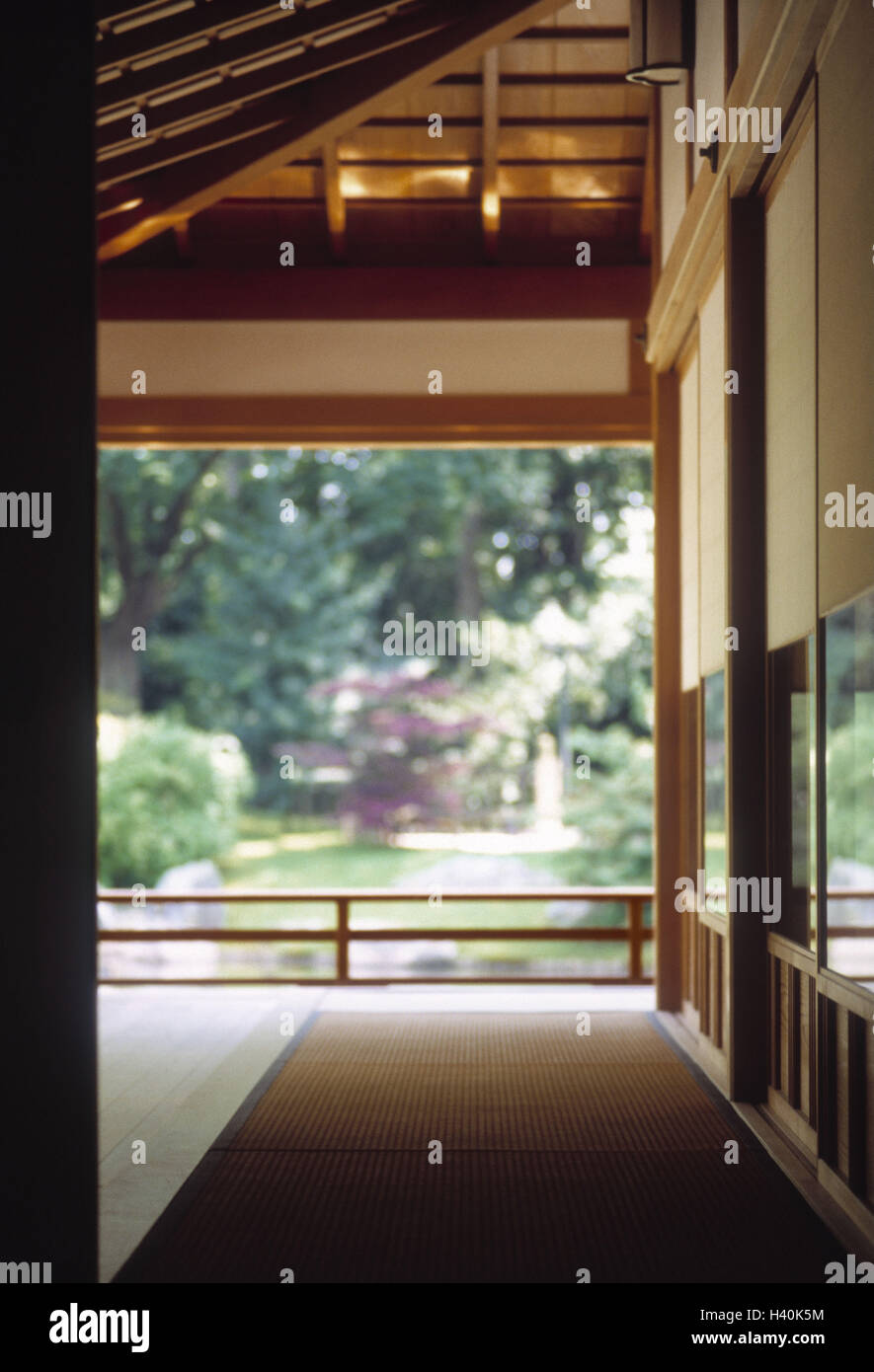 Belgien Hasselt Japanischer Garten Teehaus Terrasse Detail