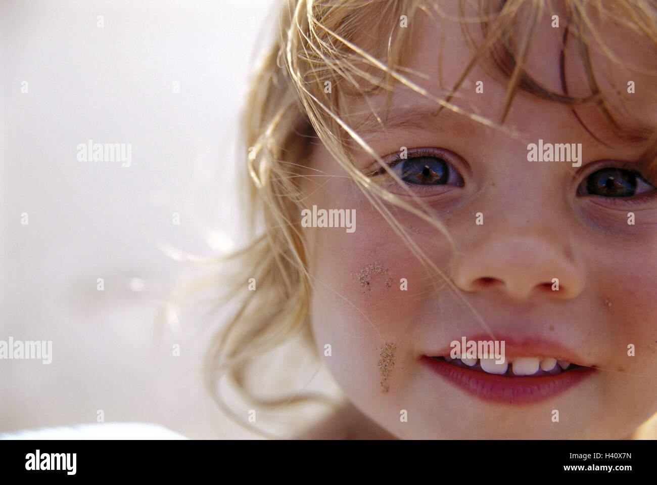 Mädchen, Lächeln, Strahlen locken, Blond, Porträt, Kind, Kind Portrait, gewellt, Säuglings, Stockbild