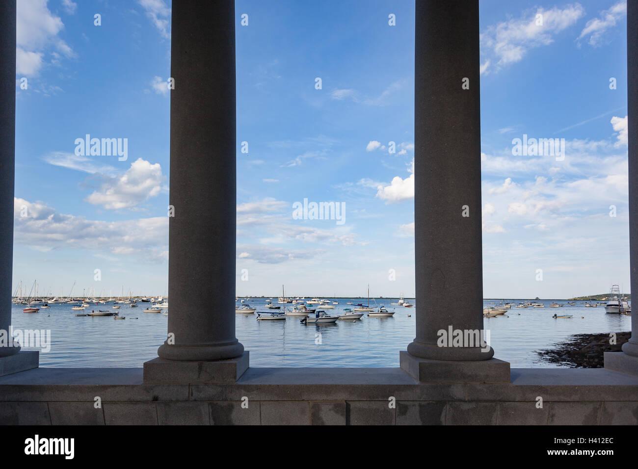 Blick durch die Spalten der Pilger Memorial State Park, Plymouth MA Stockfoto