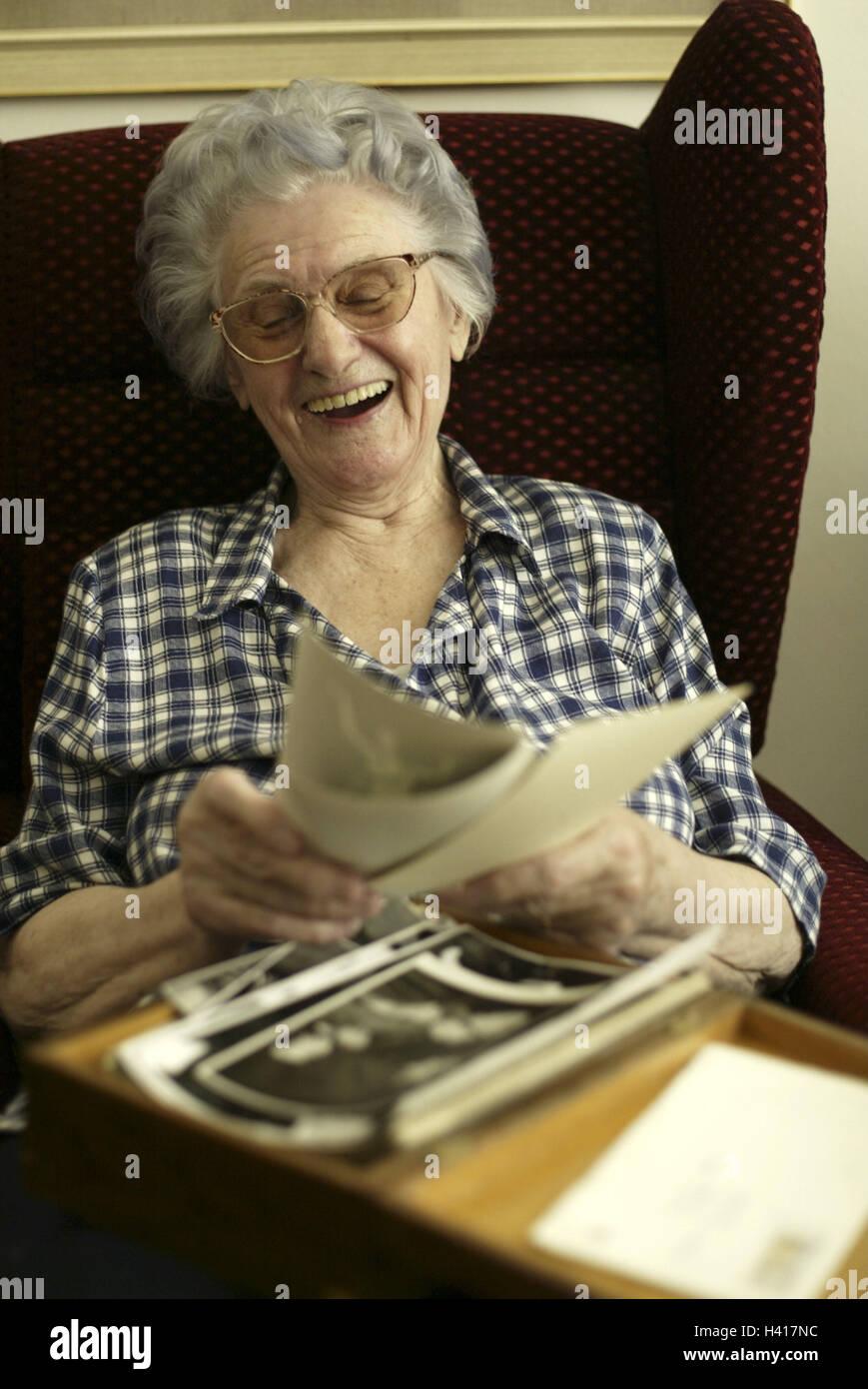 80 Jahre alte nackte Frauen