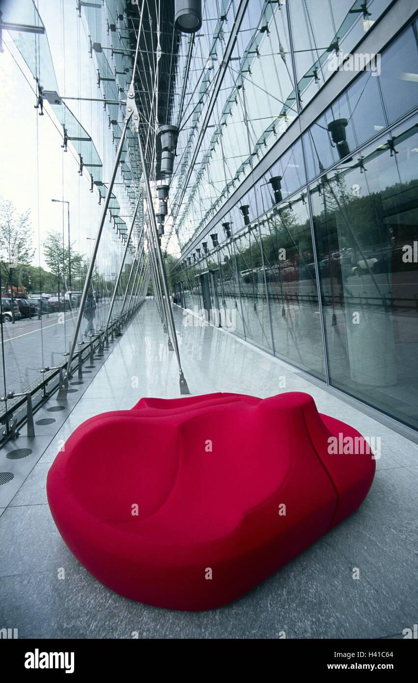 Gebäude, Glas vorne, Fensterfront, Halle, Sitzgelegenheit, rot ...