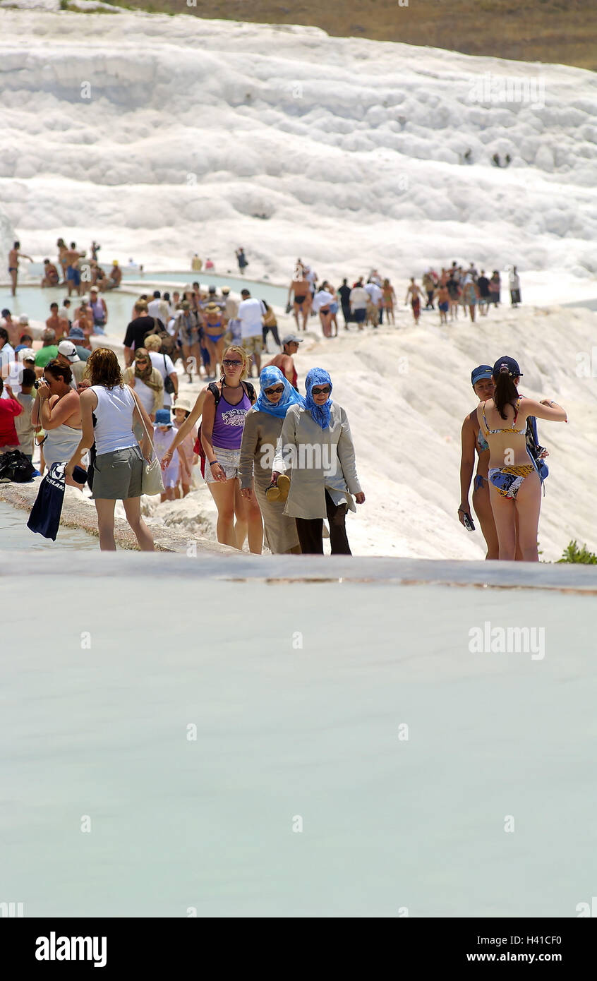 Türkei, Pamukkale, Sinter Terrassen, Touristen, Kein Model Release Süd Ost,  Europa, West Anatolien, Kalk Sinter Terrassen, Sinter Kalk, Terrasse, ...