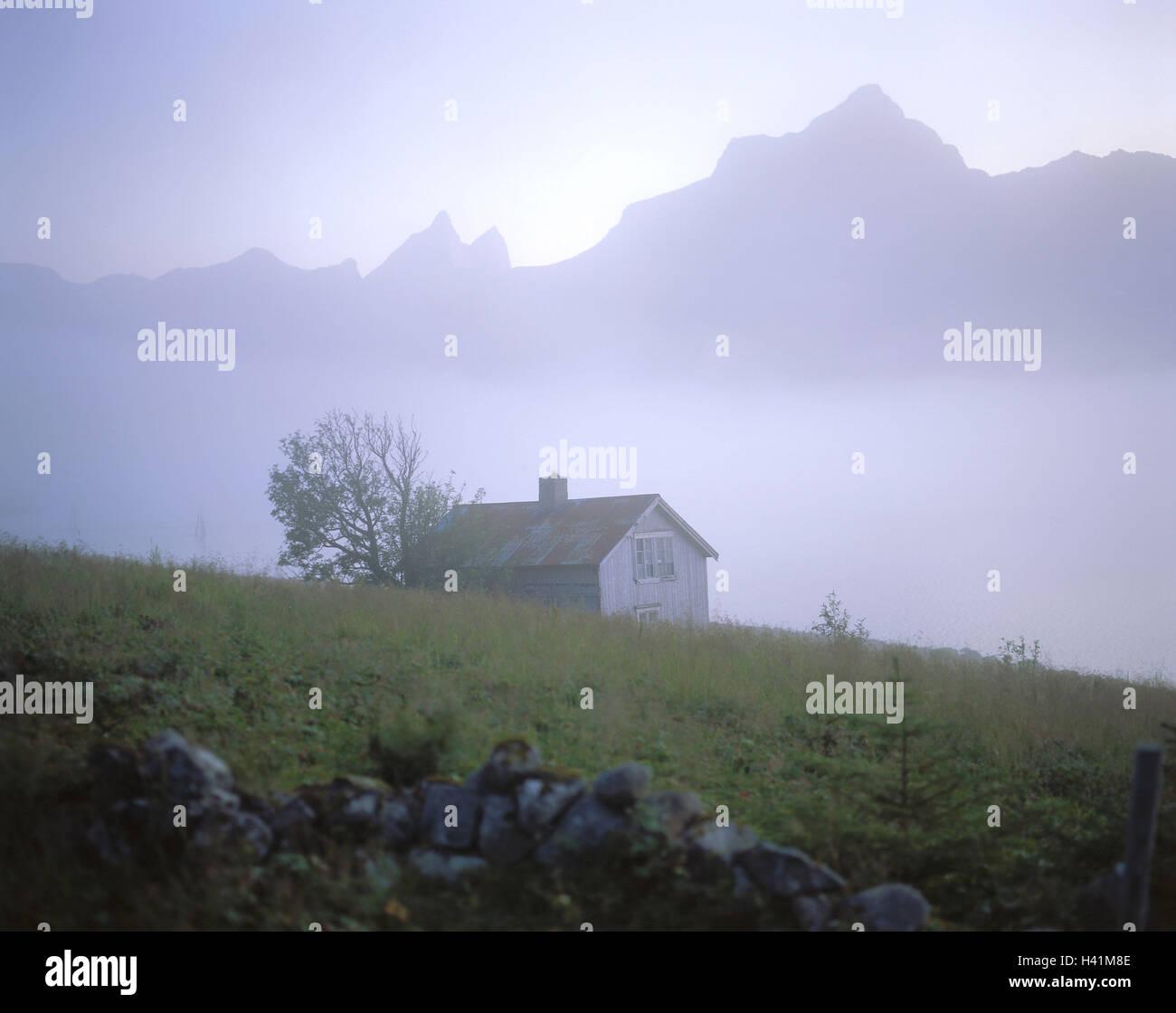 Haus Berge: Norwegen, Land Im Norden, Lofoten, Nappsundet