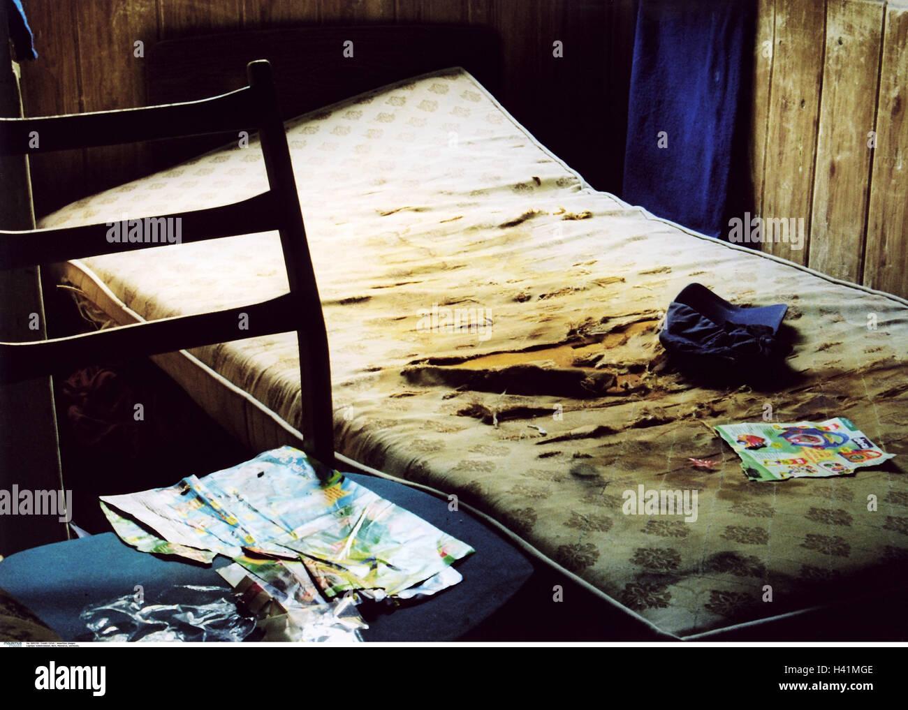 Schlafzimmer Bett Matratze Tore Chaos Detail Zimmer Innen