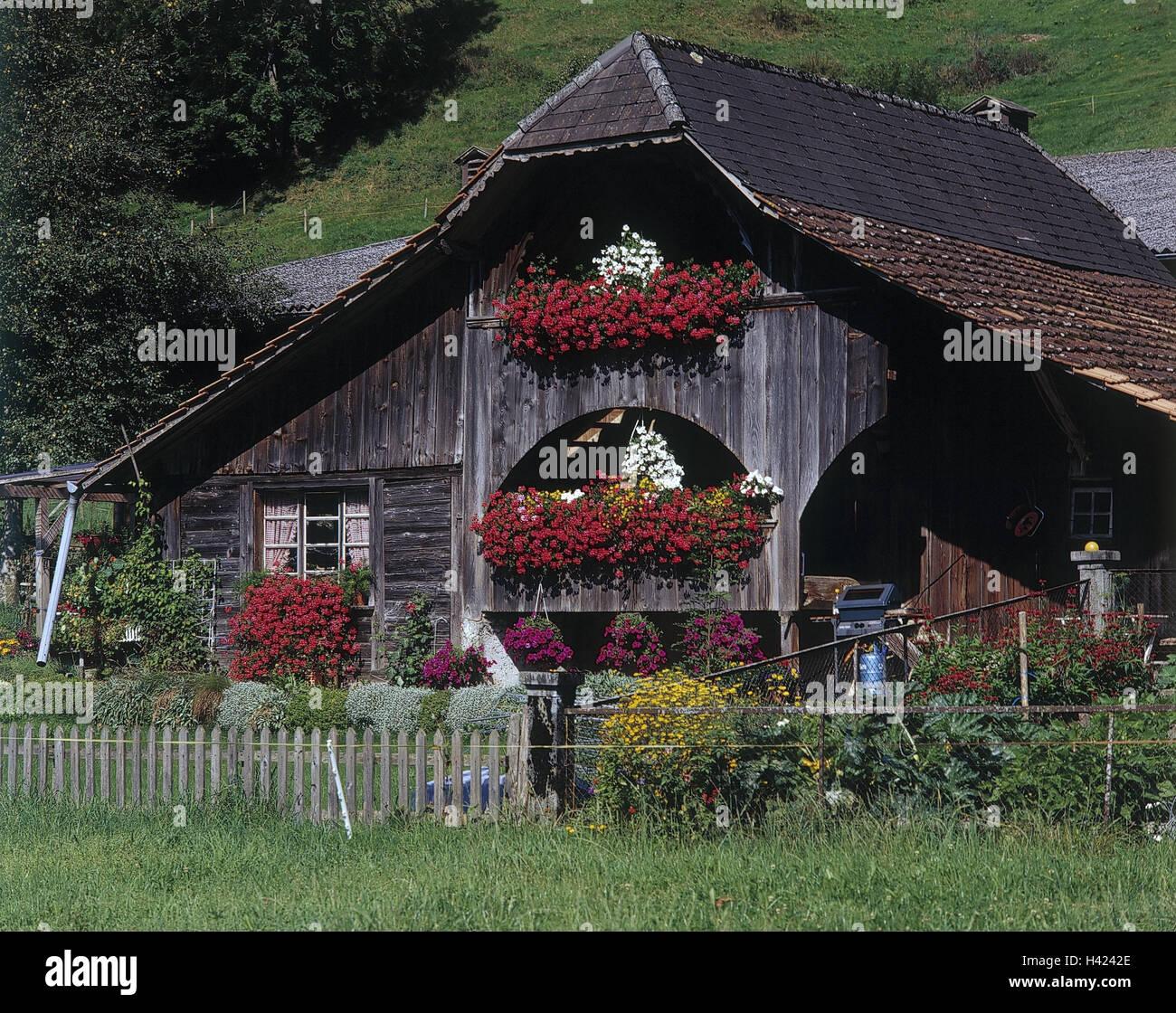 Schweiz kanton bern emmental bauernhaus blumenschmuck - Bauernhof garten ...