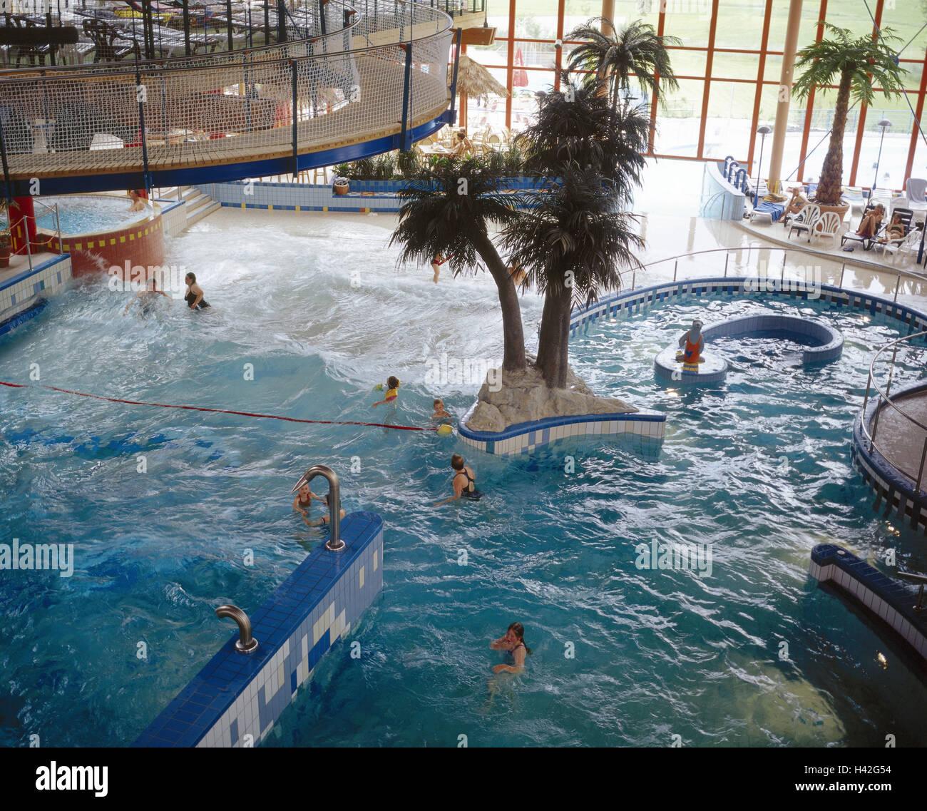 Bath bathers stockfotos bath bathers bilder seite 8 for Sonthofen schwimmbad