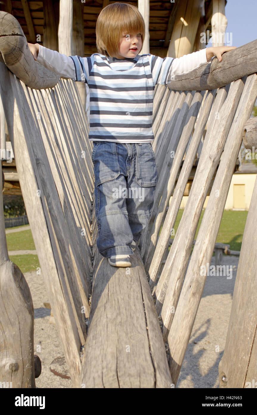 Climbing Frames Stockfotos & Climbing Frames Bilder - Alamy