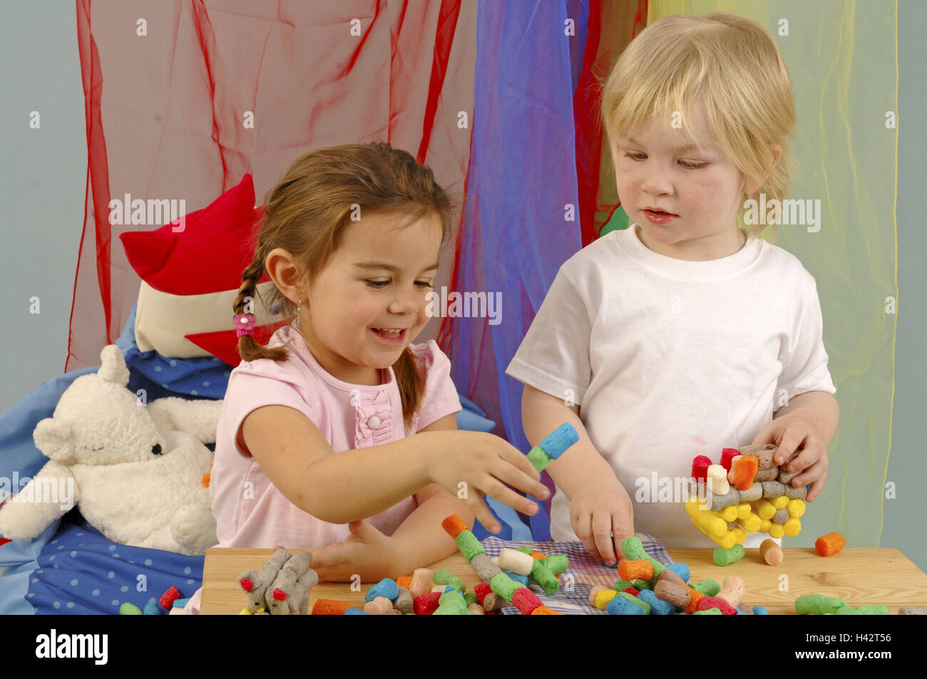 kindergarten m dchen junge playmais handwerk portr t