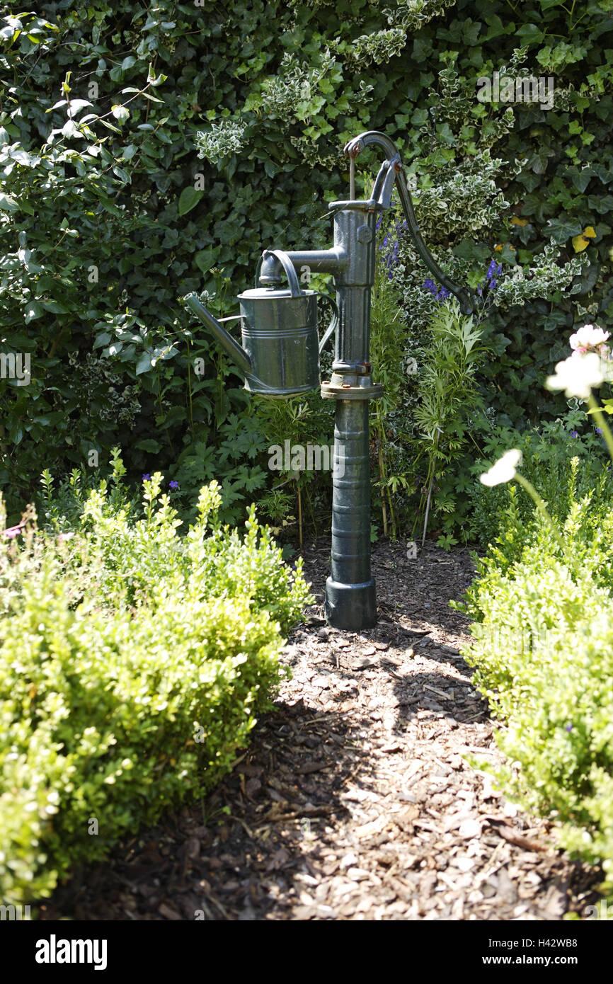 Garten, Pumpen, Gießkanne, Ziergarten, Pflanzen, Blumen, Sträucher,  Hinterreifen, Verbindung Weg, Hack Schnitzel Weg, Verlassen, Ausfahrt,  Brunnen, ...