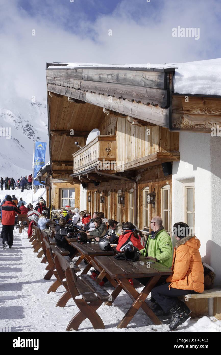 Österreich, Tirol, Serfaus, Lassida, Bergrestaurant, Sonnenterrasse, Gäste,  Kein Model Release, Alpen, Berge, Berge, Saison, Winter, Schnee, Schnee, ...