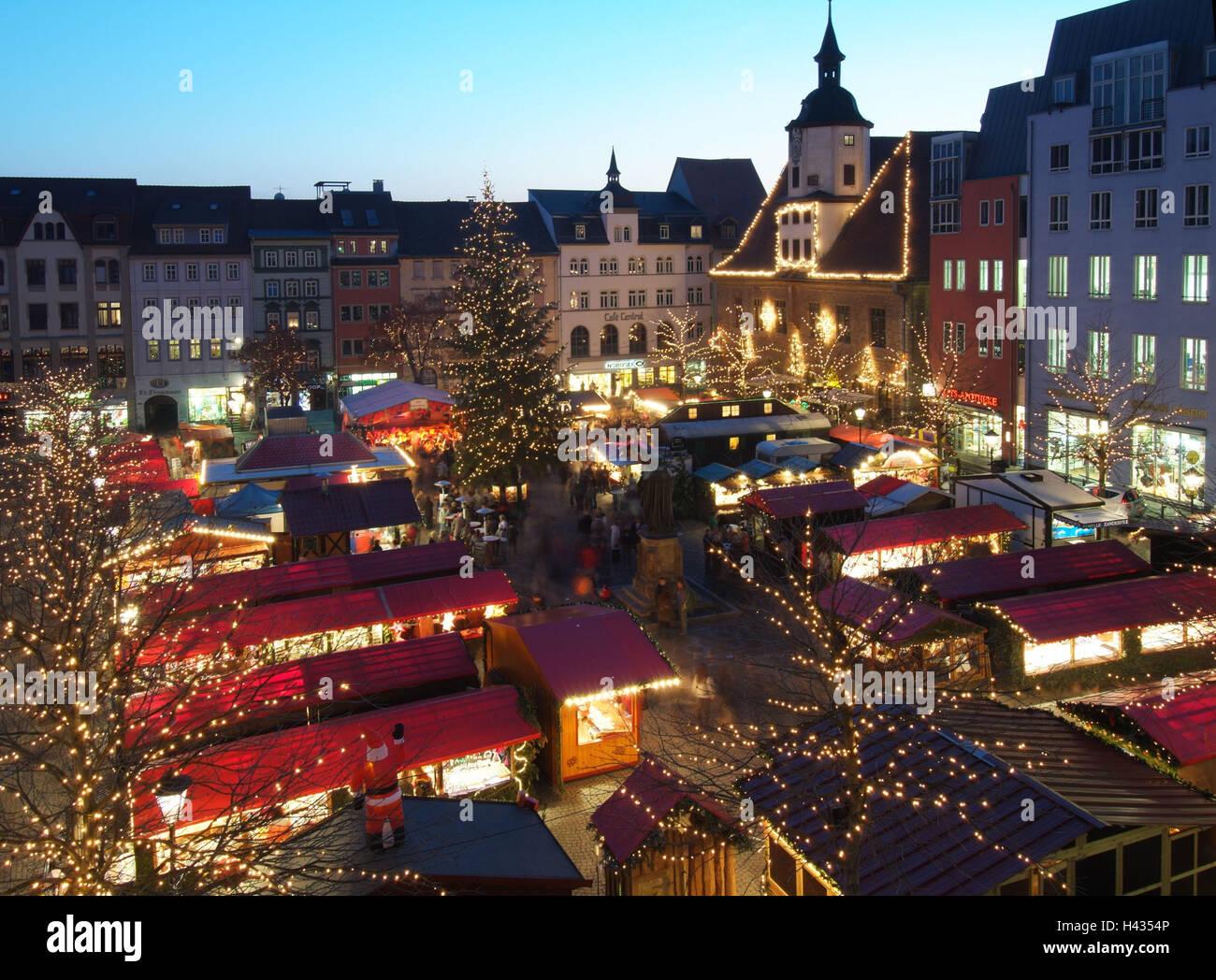 Weihnachtsmarkt übersicht.Deutschland Thüringen Jena Weihnachtsmarkt Stimmung Voll Abend