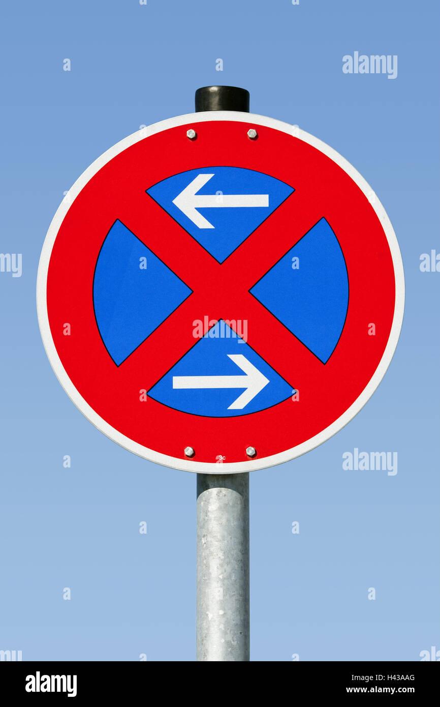 Verkehrsschilder, Verbot, Richtungen, absolut, Haltestelle halten, blau, Himmel, auf die Pfeile nach links, rechts, Stockbild