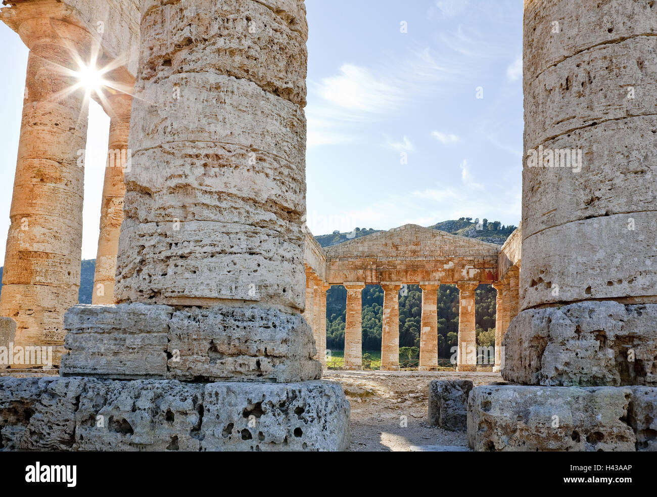 Italien, Insel Sizilien Segesta, Tempel, Detail, Gegenlicht, Stockbild
