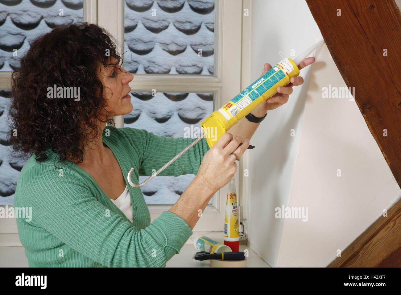 Silikon Spritze Dach Dichtung Model Release Frau Person
