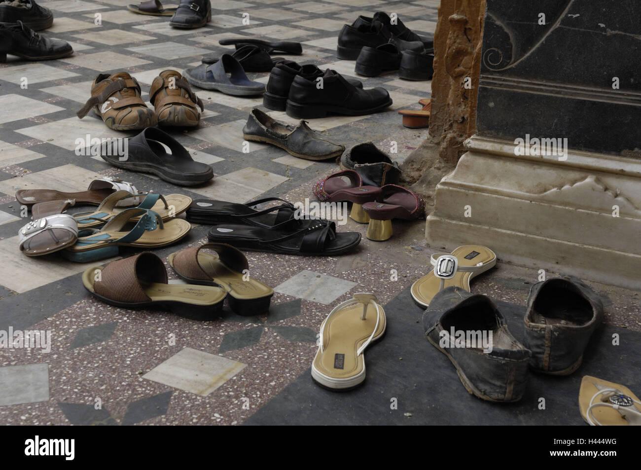 reputable site 52d63 767d0 Indien, Rajasthan, Deshnok, Tempel, Schuhe Stockfoto, Bild ...