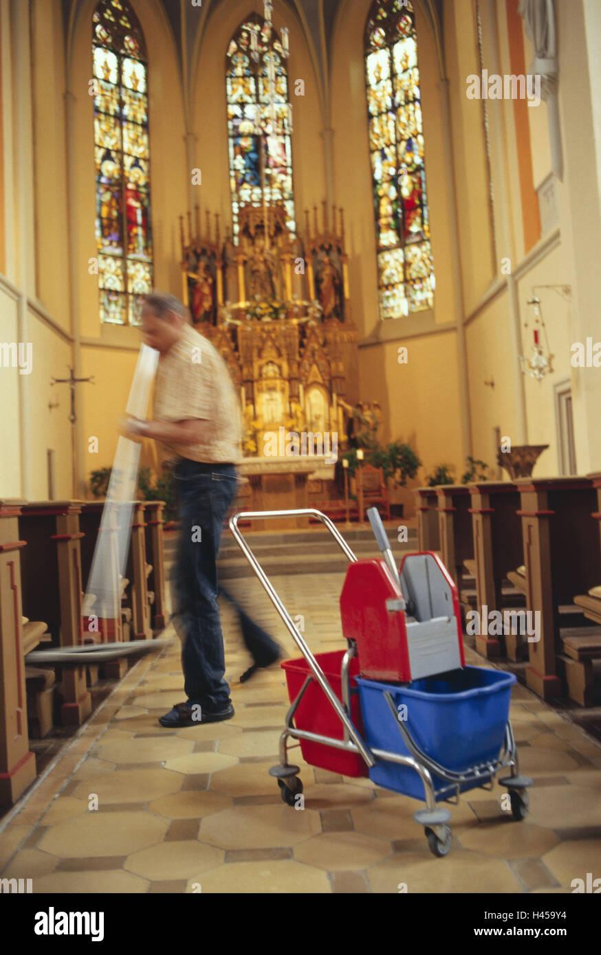 kirche reinigung kraft kirche reinigung sauber sauber altar boden wischen mann person. Black Bedroom Furniture Sets. Home Design Ideas