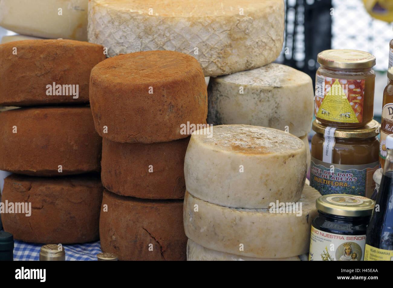Spanien, Kanarische Inseln, Insel Canaria Teror, Bauer Getreidemarkt, Marktstand, Vertrieb, Schafskäse, Ziegenkäse, Stockbild