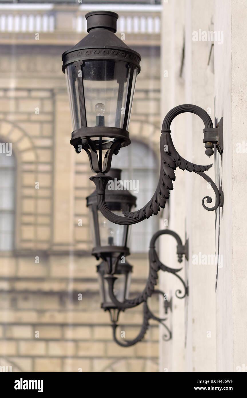 Deutschland, München, bayerische staatliche Oper, Fassade, Laternen ...