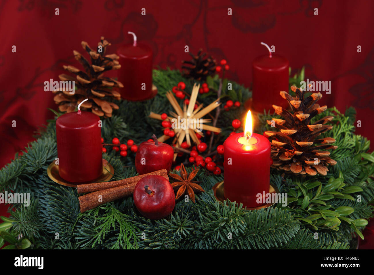 advent burning candle stockfotos advent burning candle bilder seite 2 alamy