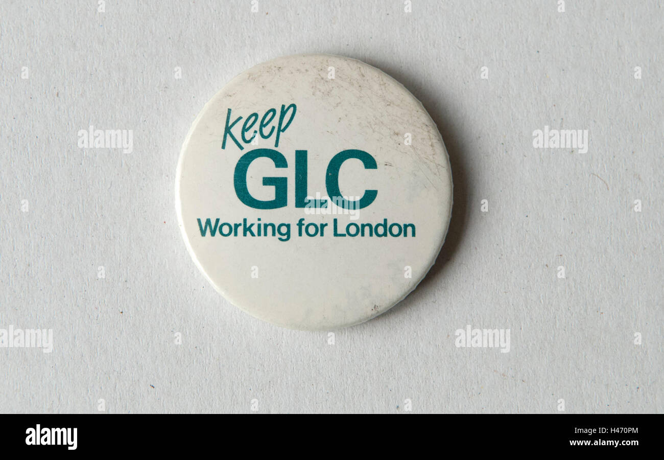 Halten Sie für London der 1980er Jahre Abzeichen HOMER SYKES GLC Stockbild