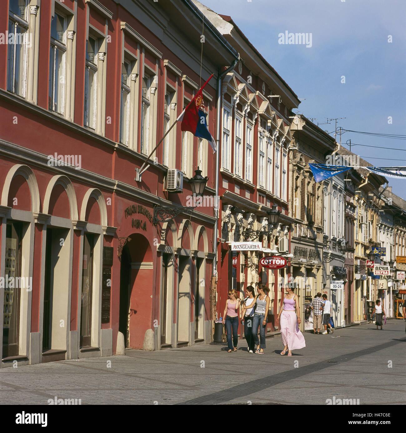 Perfekt Serbien, Vojvodina, Novi Sad, Fußgängerzone, Terrasse, Frauen, Kein Model  Release, Stadt, Innenstadt, Donaustrasse, Einkaufen, Straße, Gebäude,  Geschäfte, ...