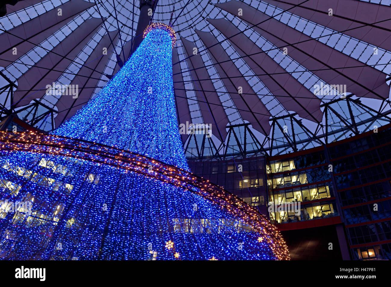 Deutschland, Berlin, Potsdamer Platz, Sony Center, Modernen  Weihnachtsbeleuchtung, Abend, Abenddämmerung, Abendstimmung, Advent,  Adventszeit, Architektur, ...