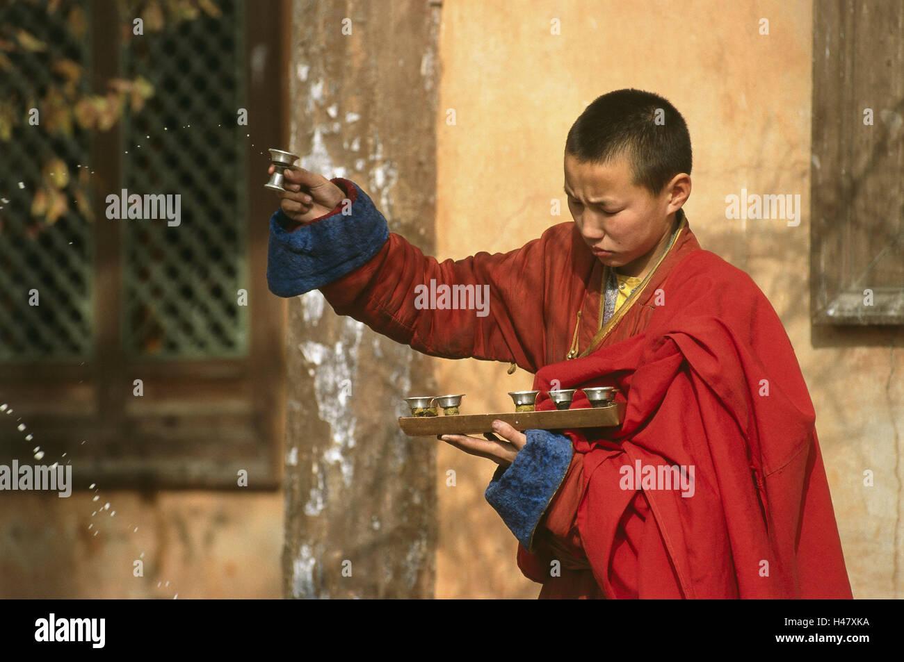 Mongolei, Ulan Bator, Bogd Khan Tempel, Mönch, Anfänger, Wasser ...