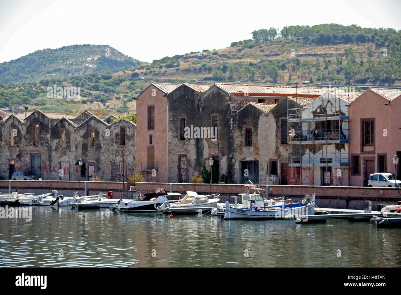 Italien Sardinien Bosa Blick Auf Die Stadt Hauser Gerbung
