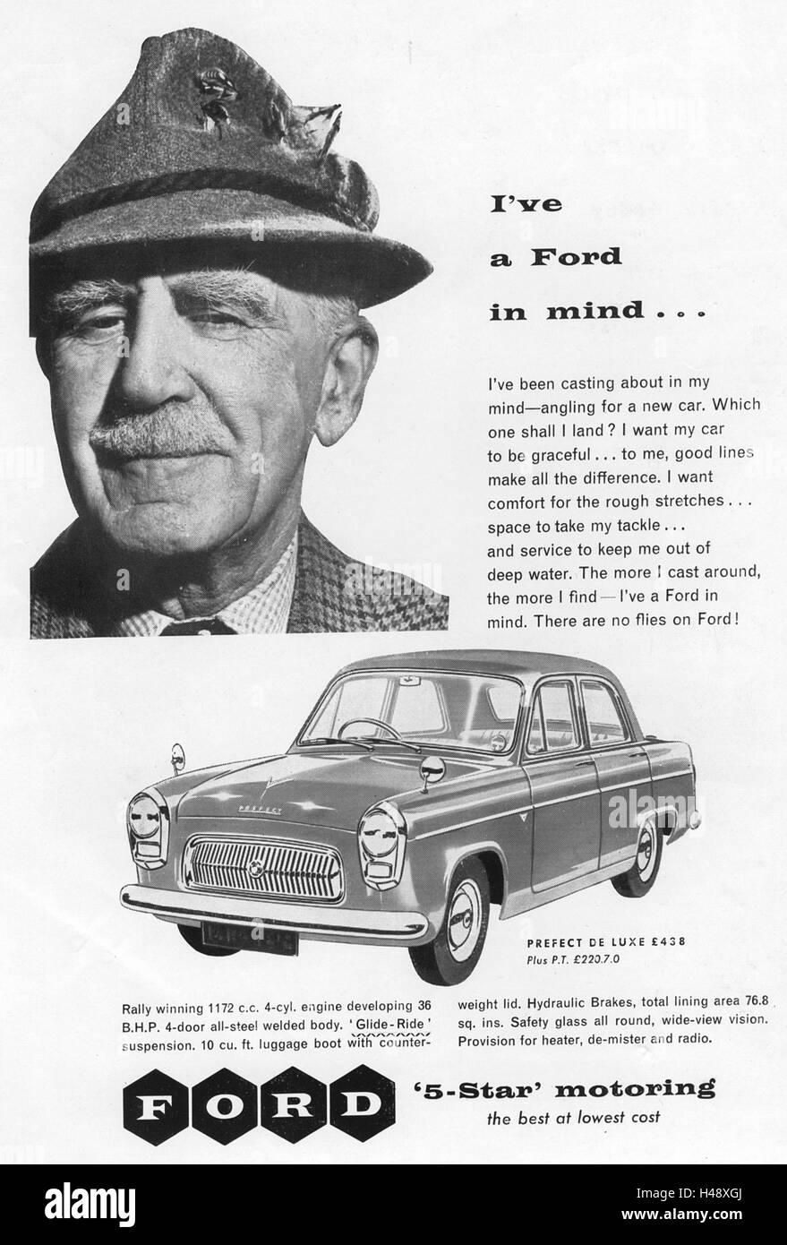 Anzeige für das Ford Prefect De Luxe Auto aus einer Motorsport-Magazin im Jahr 1957. Stockbild