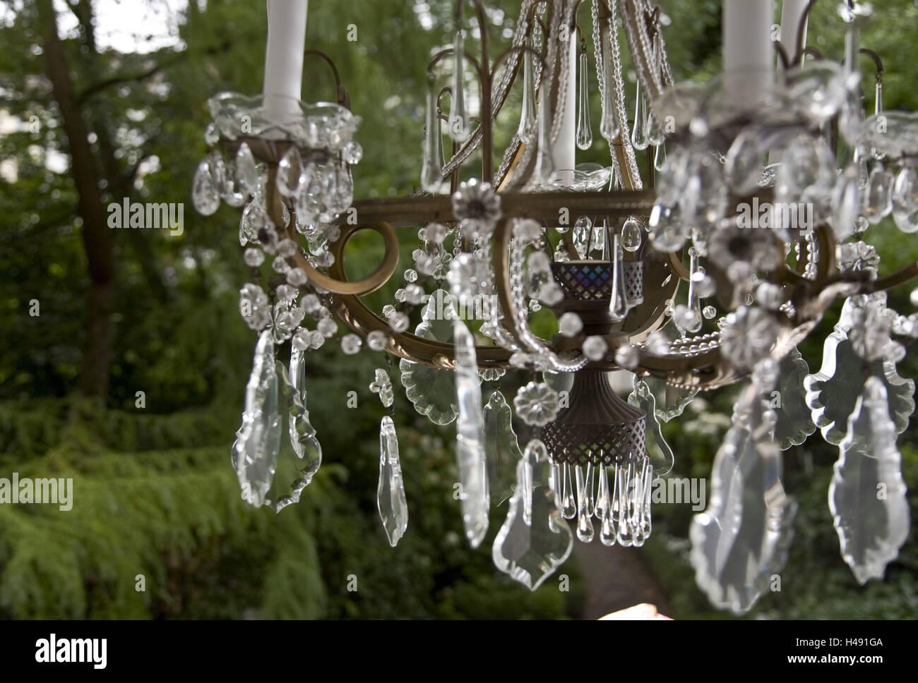 Kronleuchter Für Den Garten ~ Wohnung kronleuchter mittlere nahaufnahme fenster blick garten