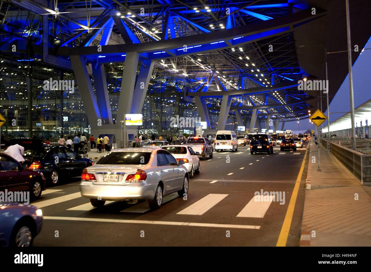 Thailand, Bangkok, Suvarnabhumi Airport, Terminal, Beleuchtung, Auto ...