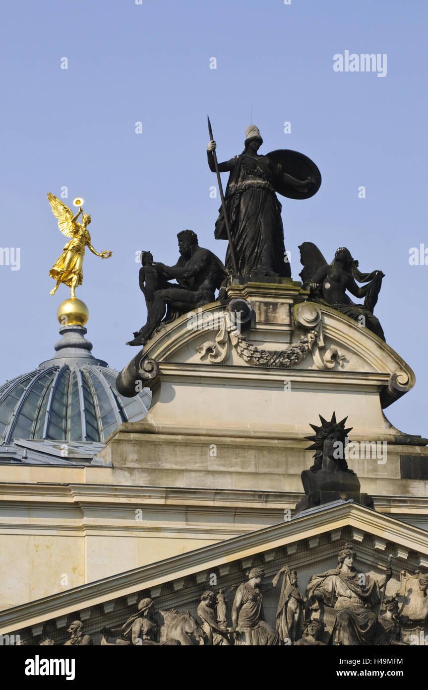 Detailansicht der Akademie der Künste, Kuppel, goldenen Engel, Dresden, Sachsen, Deutschland Stockbild