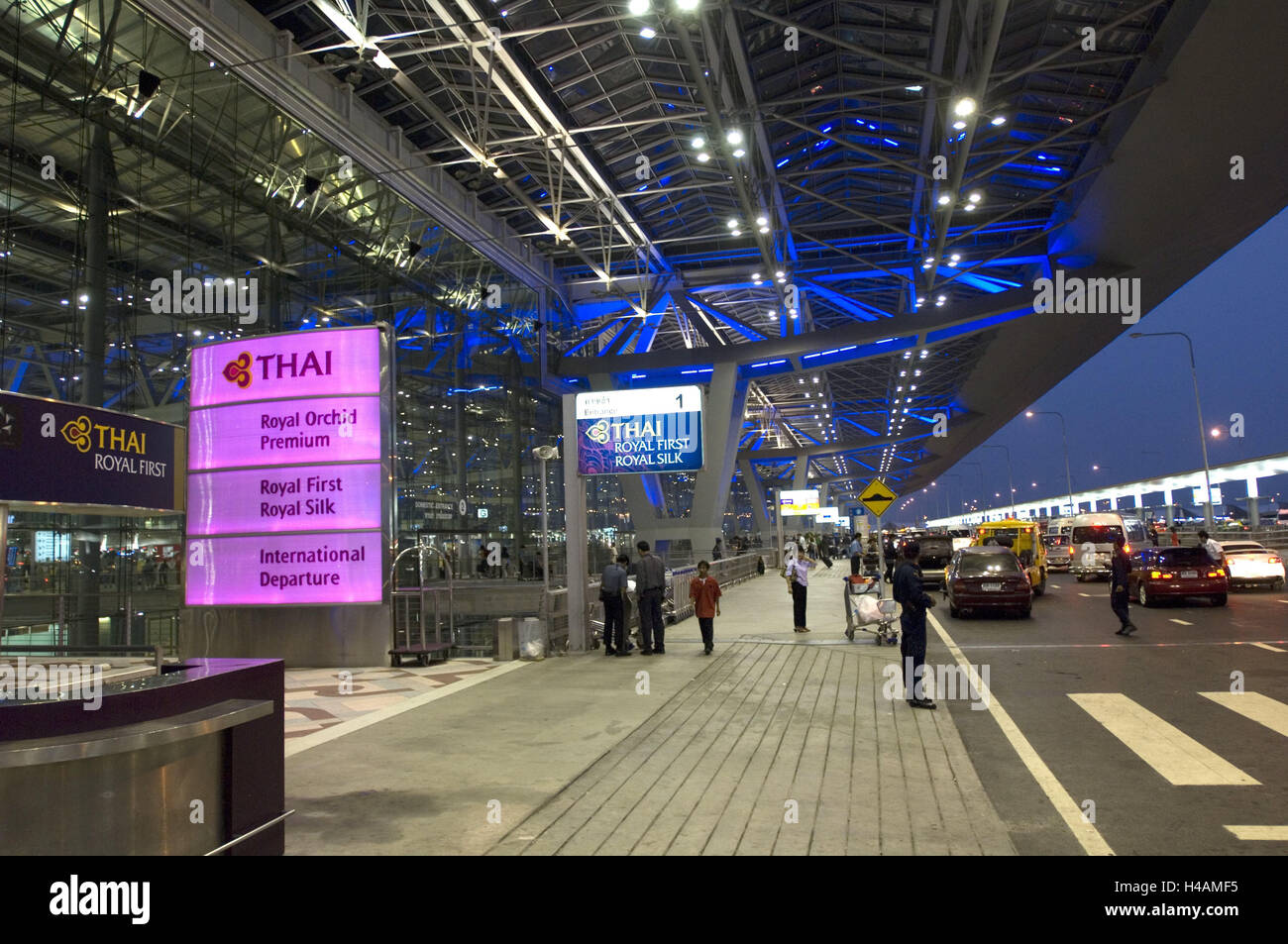 Thailand, Bangkok, Suvarnabhumi Airport, Terminal, Beleuchtung ...