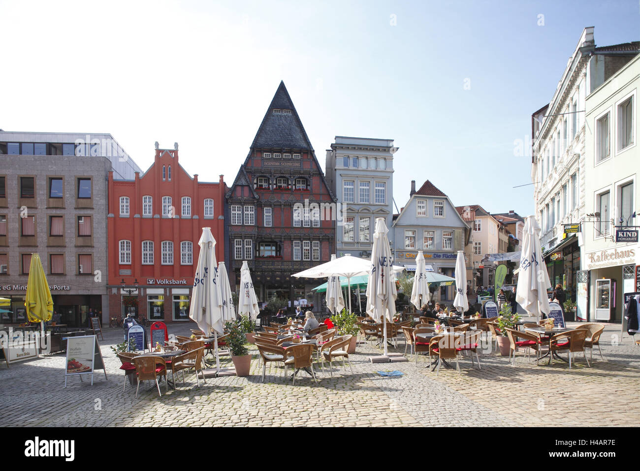 deutschland nordrhein westfalen minden marktplatz mit haus schmieding stockfoto bild. Black Bedroom Furniture Sets. Home Design Ideas