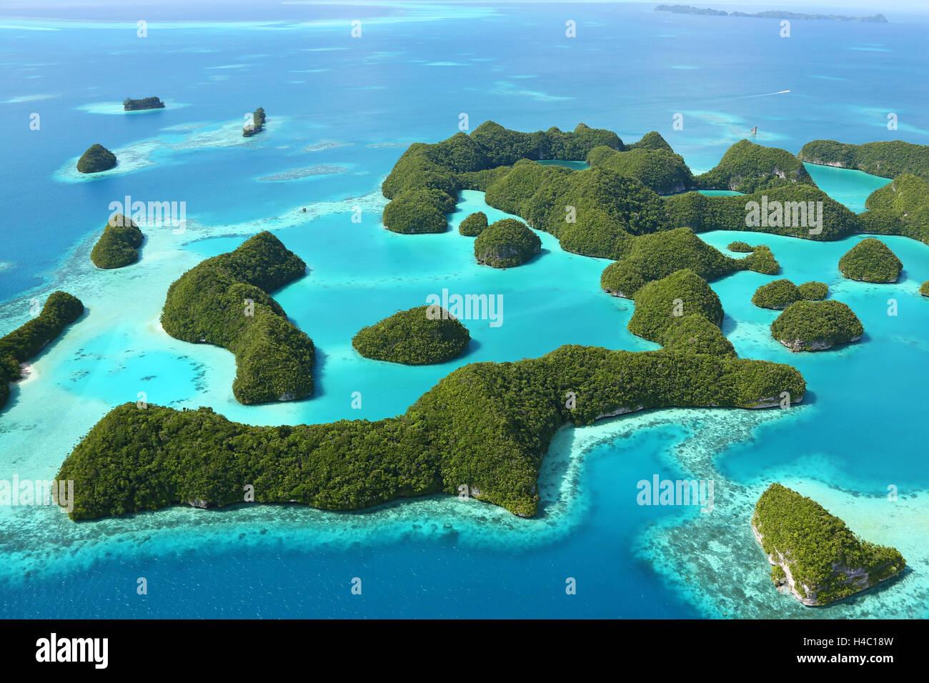 Luftaufnahme des Archipels von siebzig Inseln, Republik Palau, Mikronesien, Pazifik Stockbild