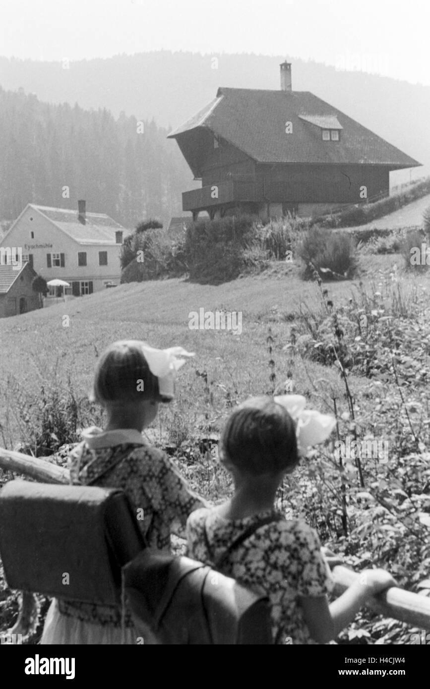 Eine der Eyachmühle in Dobel Im Schwarzwald, Deutschland, 1930er Jahre. Eyachmuehle Mühle in Dobel im Stockbild