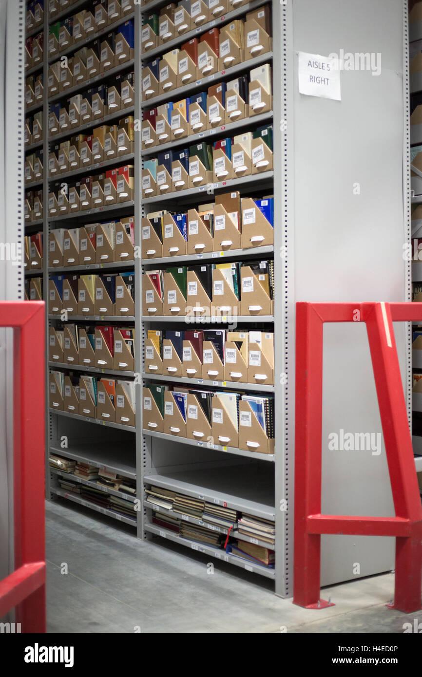 High-Density-Bibliothek, ein Off-Site-kontrolliert ökologisch Lagerung und Konservierung Anlage zur Universität Stockbild