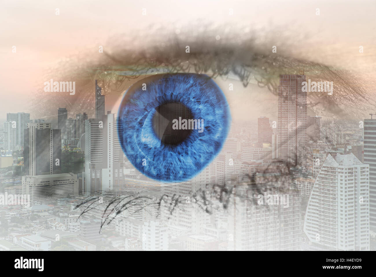 Doppelbelichtung Bild des menschlichen Auges mit Zentrum Geschäftsviertel Bangkok Stadt. Zukünftige Geschäftsidee. Stockbild