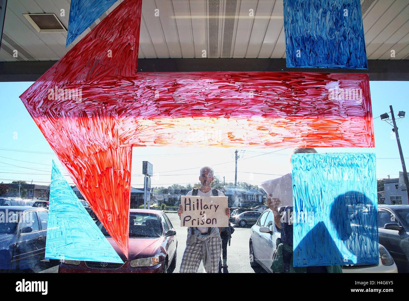 Philadelphia, PA, USA. 15. Oktober 2016. Ehemalige Außenministerin Madeleine Albright abgebildet Werbetätigkeit Stockbild