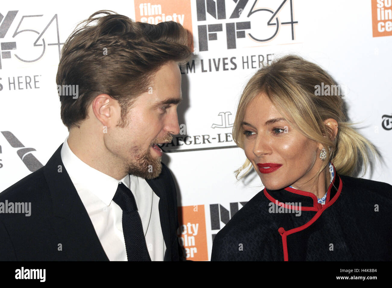 New York City. 15. Oktober 2016. Robert Pattinson und Sienna Miller besuchen Sie 'The Lost City of Z' Closing Stockbild