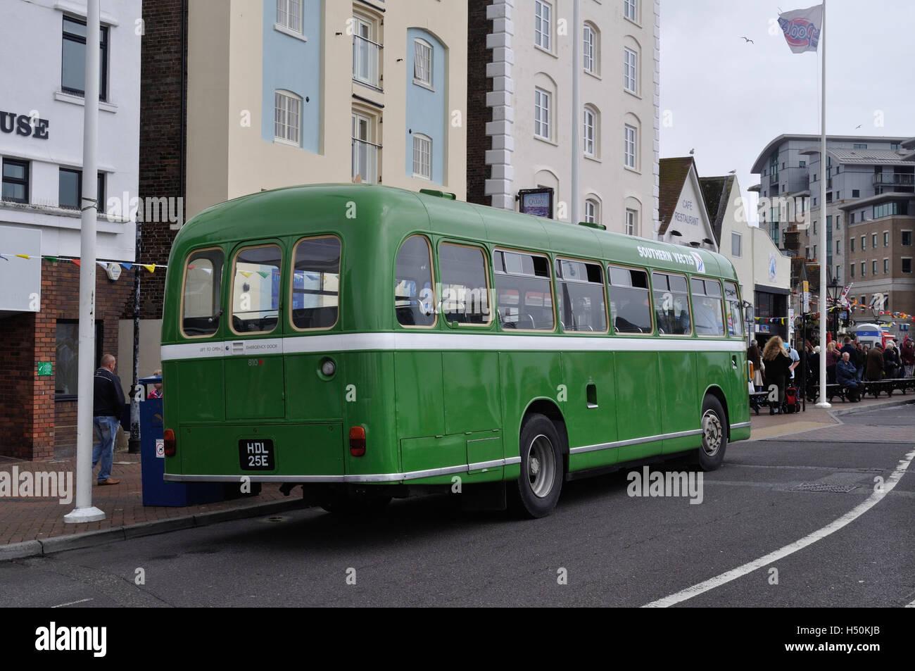 Hants Dorset Jetzt Mehr Bus Feiert Ihren 100 Geburtstag Am