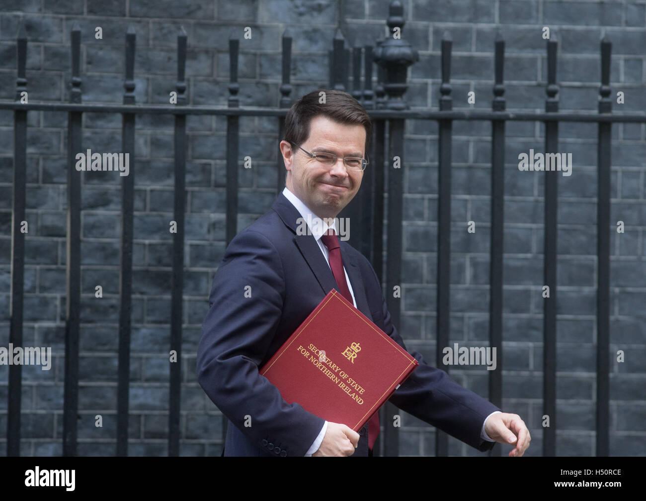 James Brokenshire, Staatssekretär für Nordirland, kommt in 10 Downing Street, für eine Kabinettssitzung Stockbild