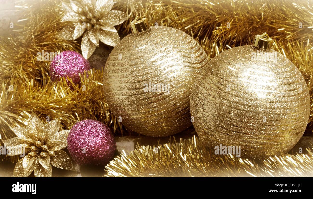 Goldene Weihnachtskugeln.Goldene Weihnachtsdekoration Close Up Blick Auf Goldene
