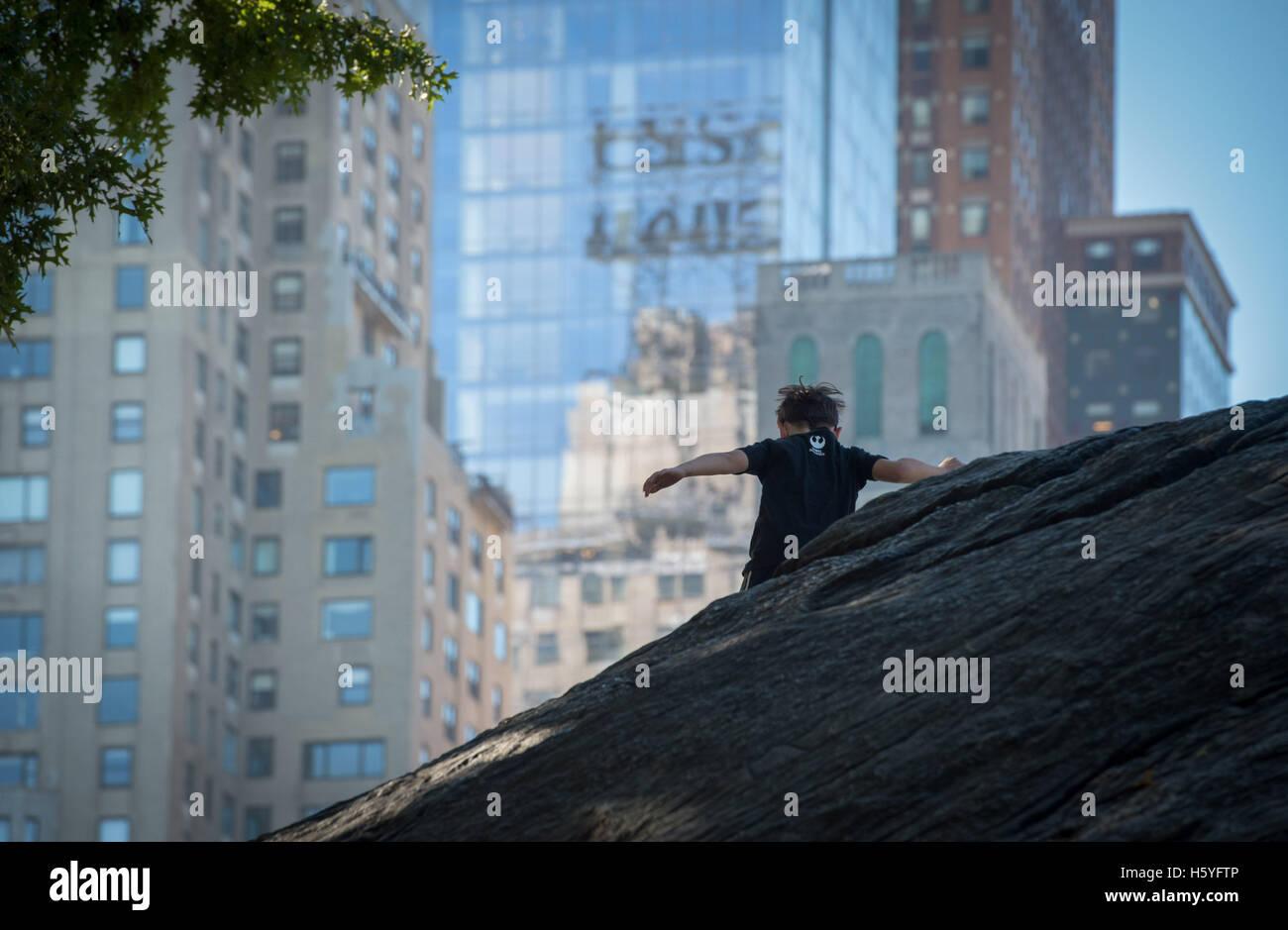 New York, NY, USA. 15. Oktober 2016. Tyler Ranger 8 Gartenstadt beteiligt sich an einer Klasse durch die Bewegung Stockbild