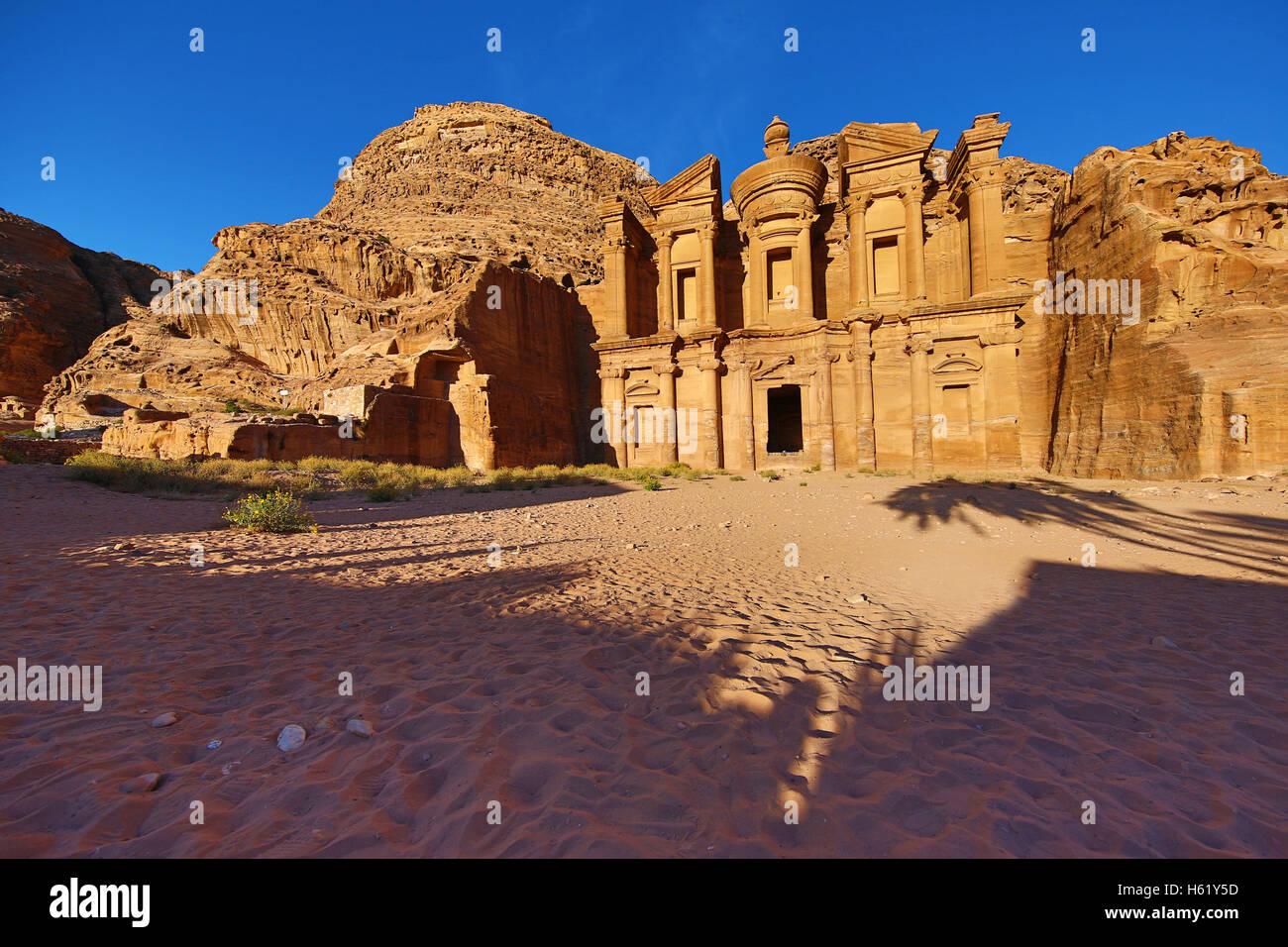 Das Kloster, Ad-Deir, in die Felsenstadt Petra, Jordanien Stockbild