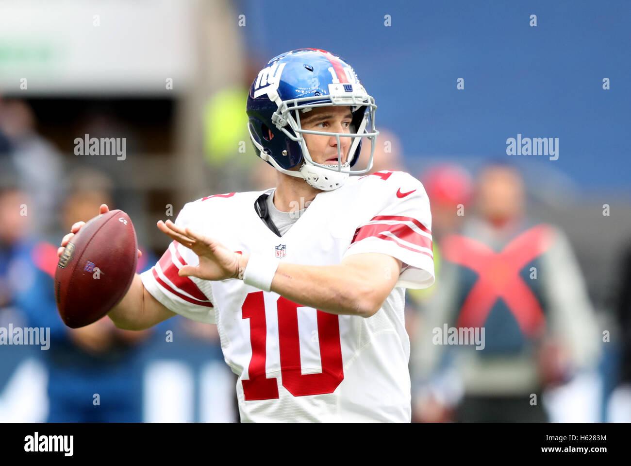 New York Giants Eli Manning während der NFL International Series match in Twickenham, London. Stockbild
